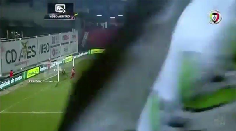 Farcial scenes in Portugal: Huge flag blocks VAR during goalreview